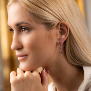 Beautiful drop earrings with pink sapphires