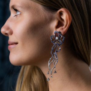 """""""Fleurs des mers bleues"""" earrings with white diamonds and sapphires"""