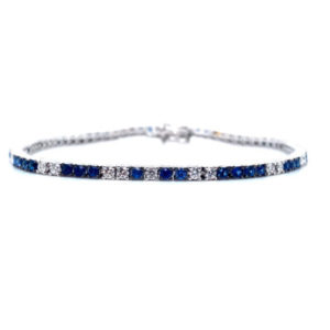 Beautiful bracelet with diamonds and sapphires