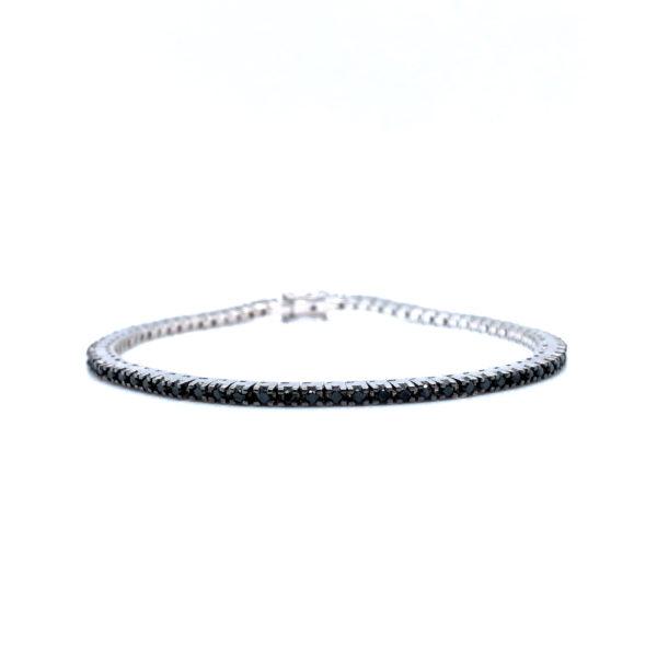 Delicate bracelet with black diamonds