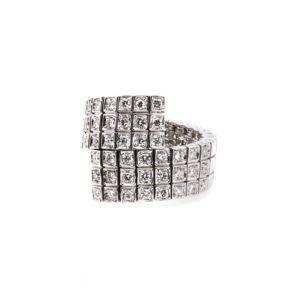 Flexible ring with diamonds